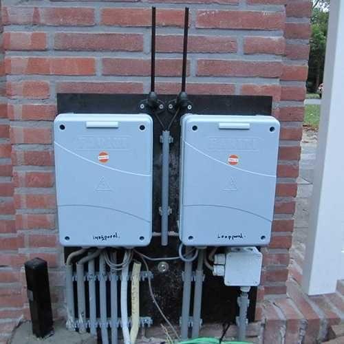 Poortautomatisering door Porttech. Meer dan 25 jaar ervaring in het installeren, monteren en onderhouden van poortopeners en hekopeners.